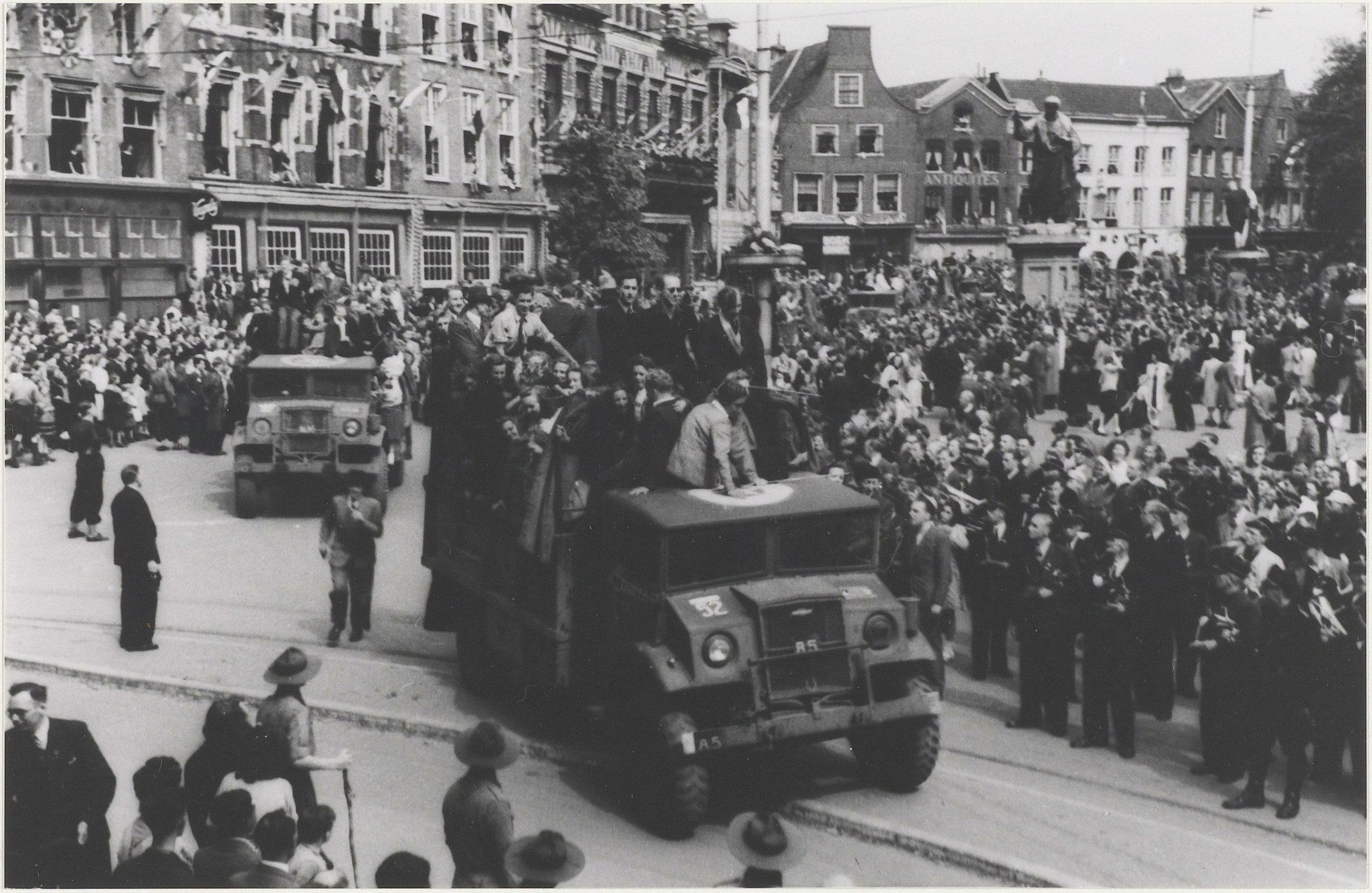 intocht Canadese troepen Haarlem